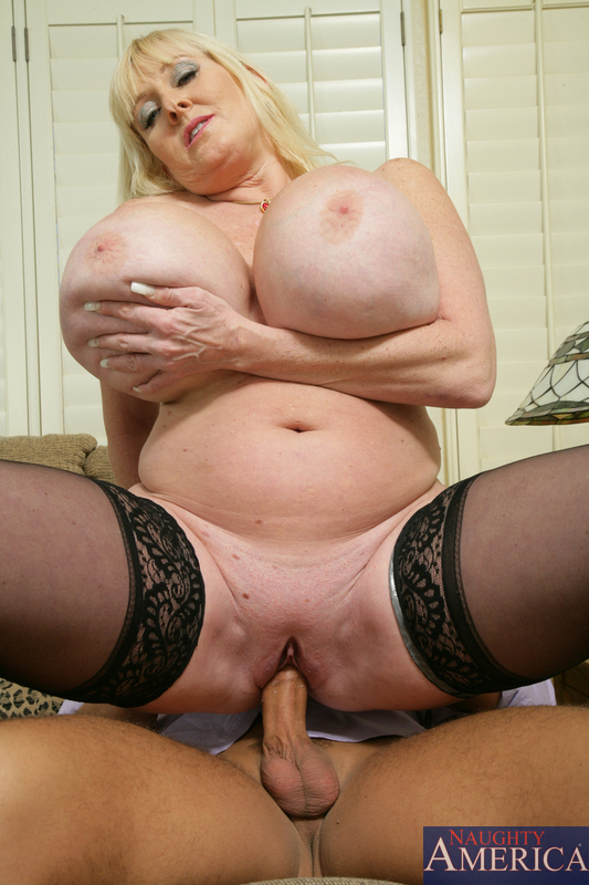 Порно фото бабушки с большими сиськами