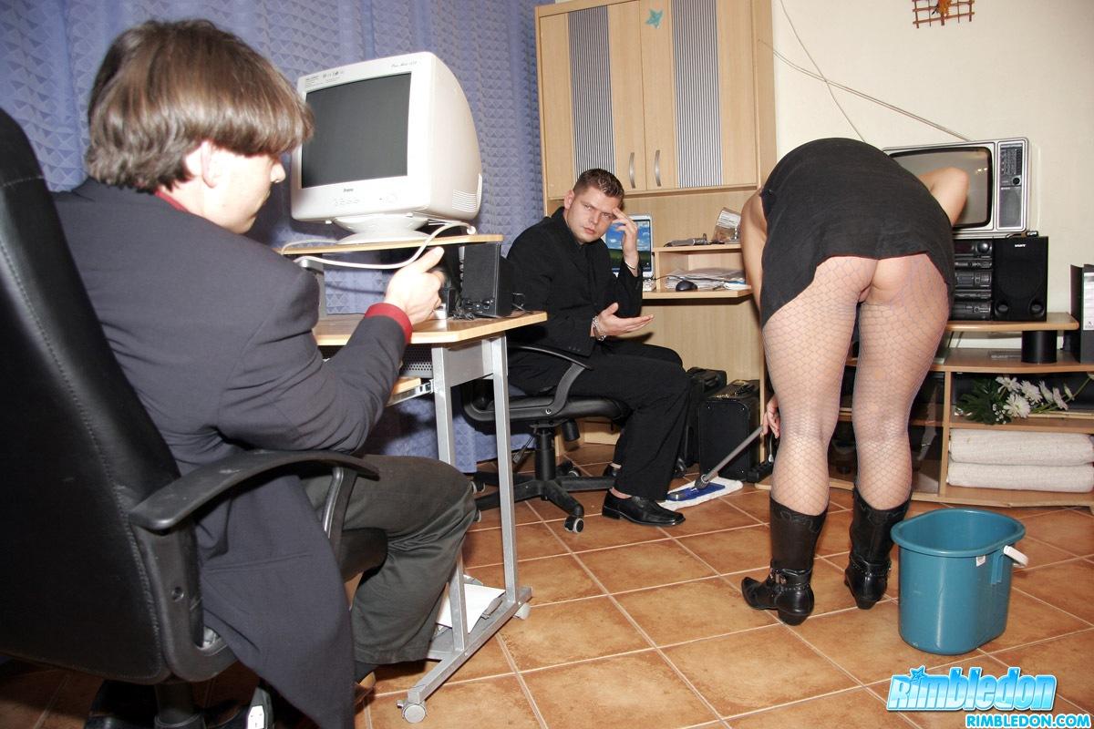 Секс с латинской уборщицей 1 фотография