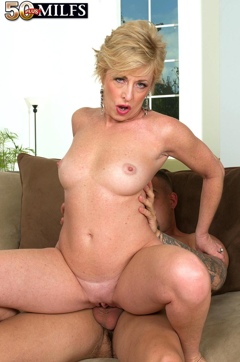 Сексзрелой женщины с молодым 18 фотография