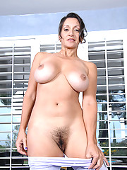 Anilos.com - Freshest mature women on the net featuring Anilos Persia Monir