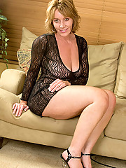 Anilos.com - Freshest mature women on the net featuring Anilos Samantha Stone