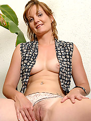 Anilos.com - Freshest mature women on the net featuring Anilos Sadie