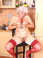 Anilos.com - Freshest mature women on the net featuring Anilos Betty