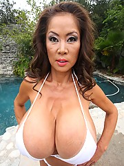 FREAKS OF BOOBS