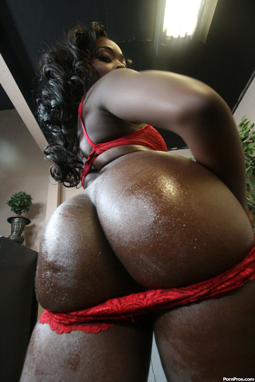 Толстый зад негритянки 24 фотография