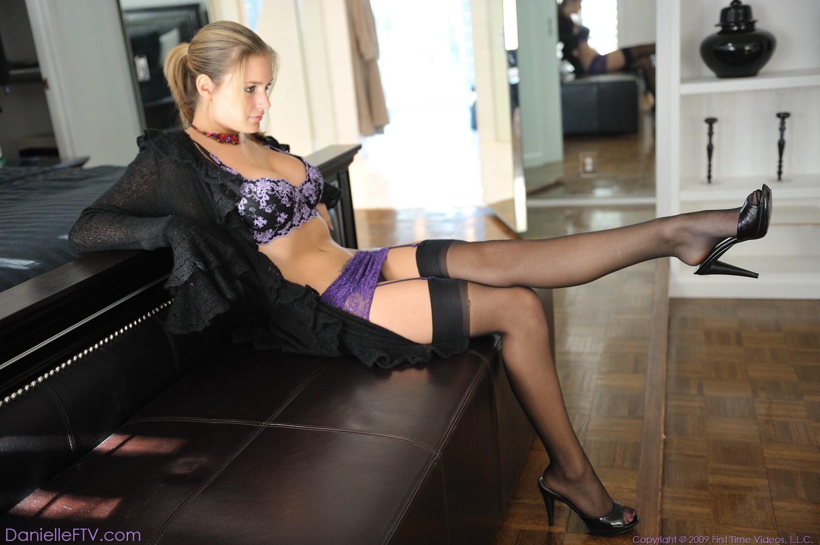 Секси ножки женщин 22 фотография