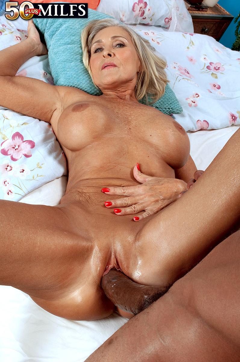 Секс порно ролики старую бабушку большим черным членом 8 фотография