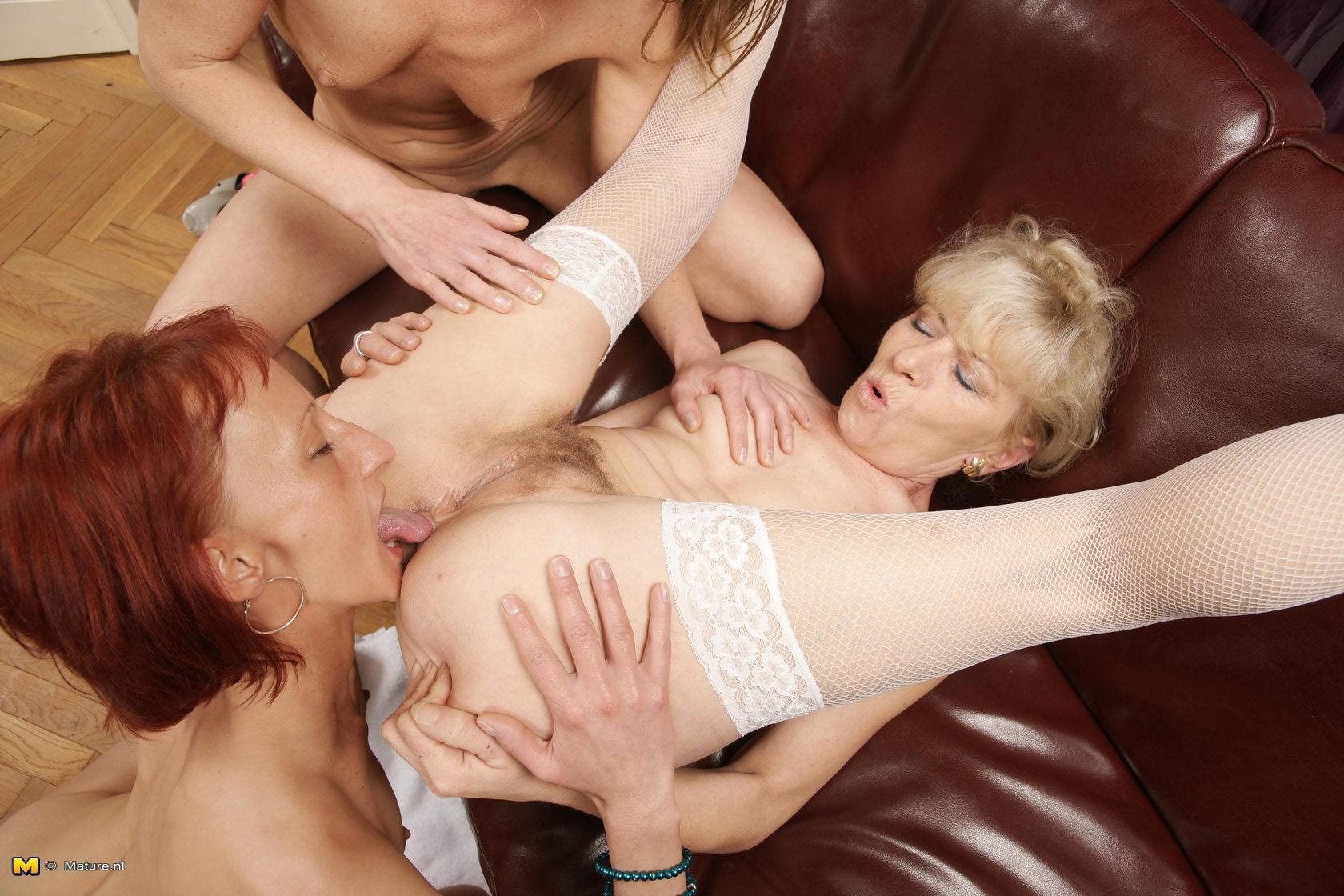 Mature women lesbian 27 фотография