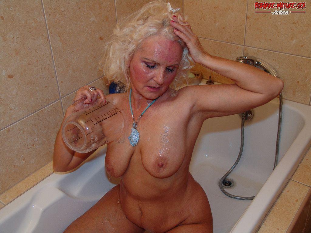 Старухи порно фото писсинг 83403 фотография
