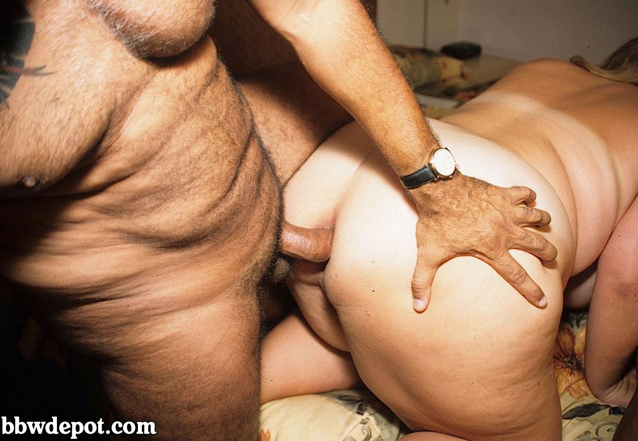 Сексуалная зрелая женшина трахается с пацаном 9 фотография
