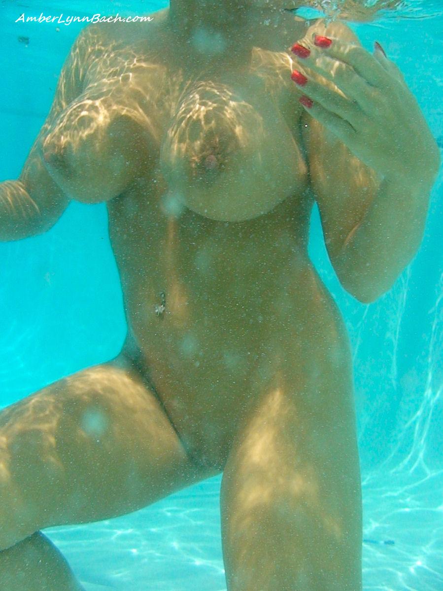 eroticheskoe-podvodnoe-video