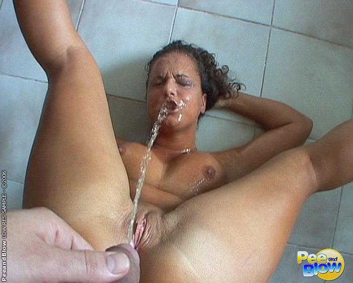 Порно мохнатки писсинг