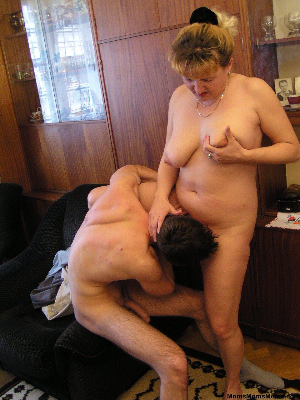 Секс и эротика мать и сын 7 фотография
