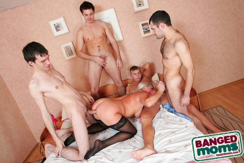 http://sexkombo.net/pictures/2012-09-22/22990/6.jpg