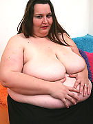 This big british lady proudly shows her folds and spreads wide for everyone to see