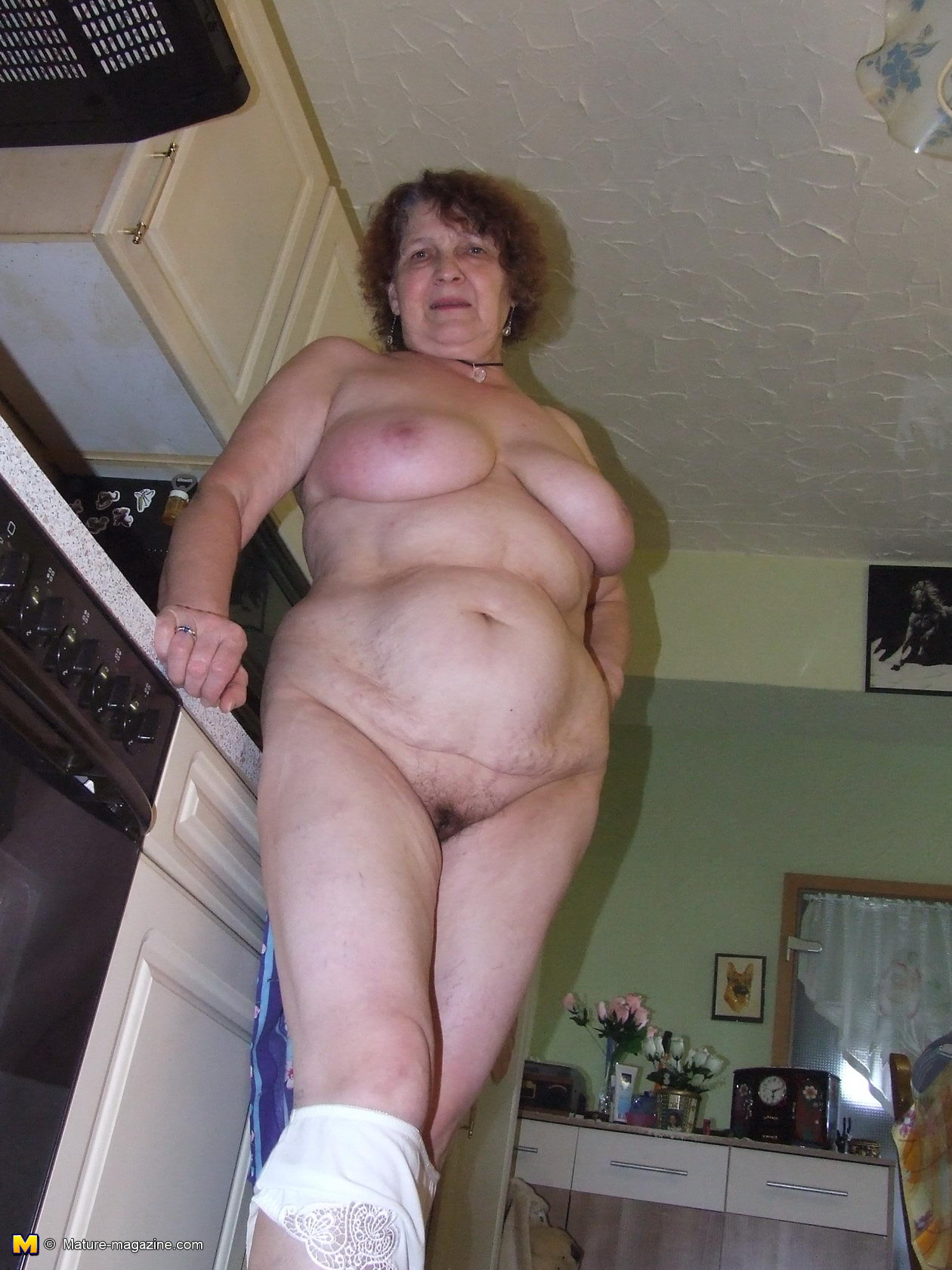 Прелести бабушки онлайн порно 4 фотография