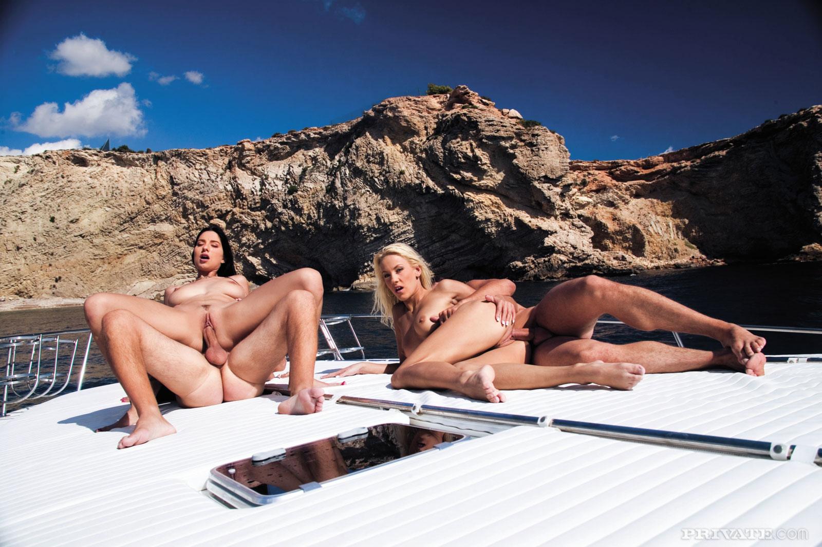 Смотреть лучшее порно на яхте 19 фотография