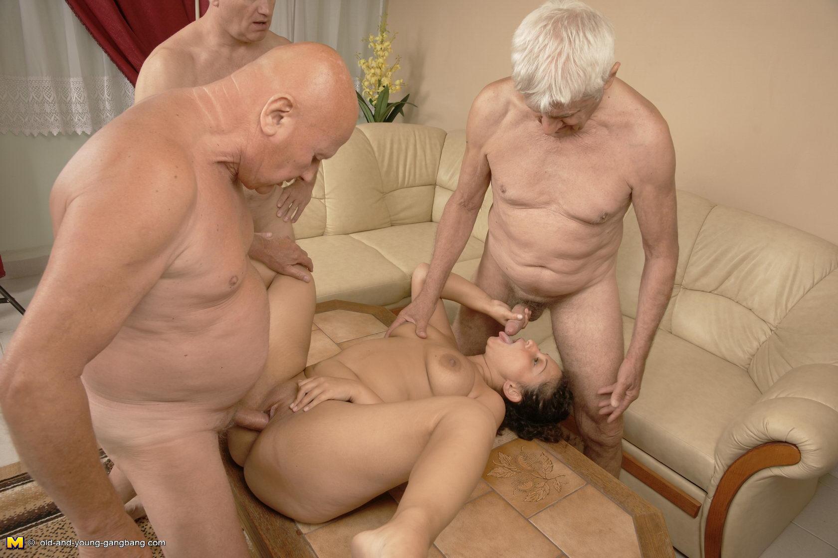 Секс фото старики с молоденкими
