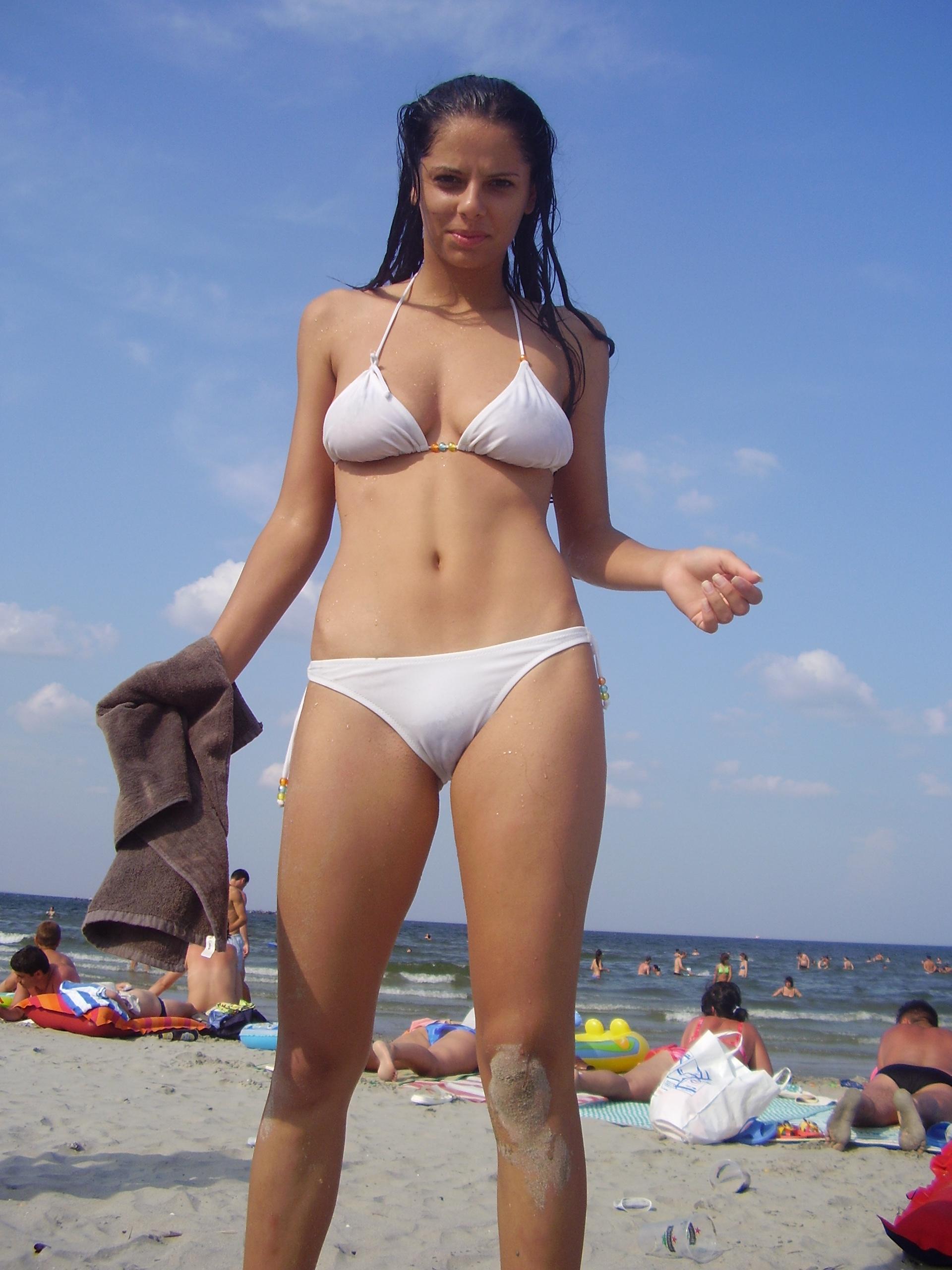 Фото девушек индианок в мини бикини 8 фотография