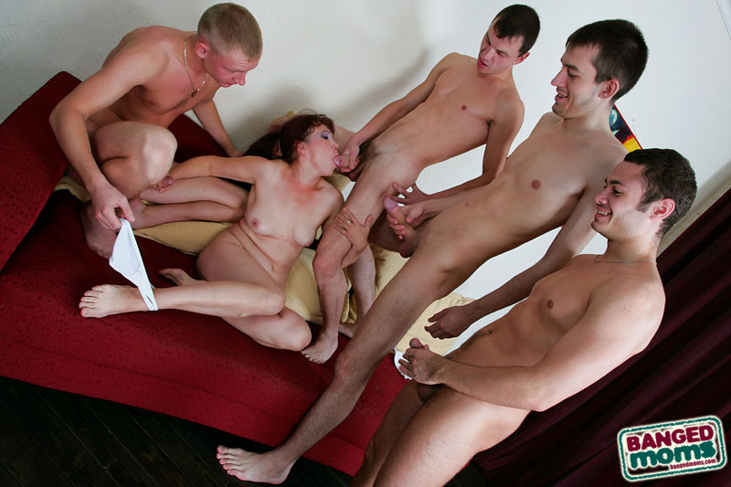 porno-onlayn-zrelie-dami-gruppovie