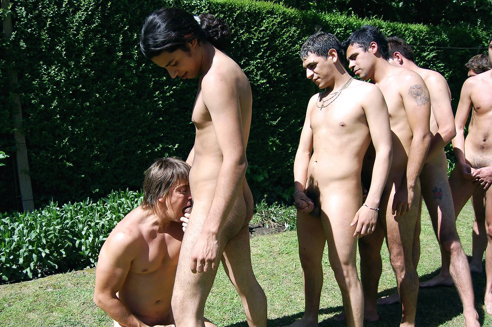 Раздетые таджики пацаны фото