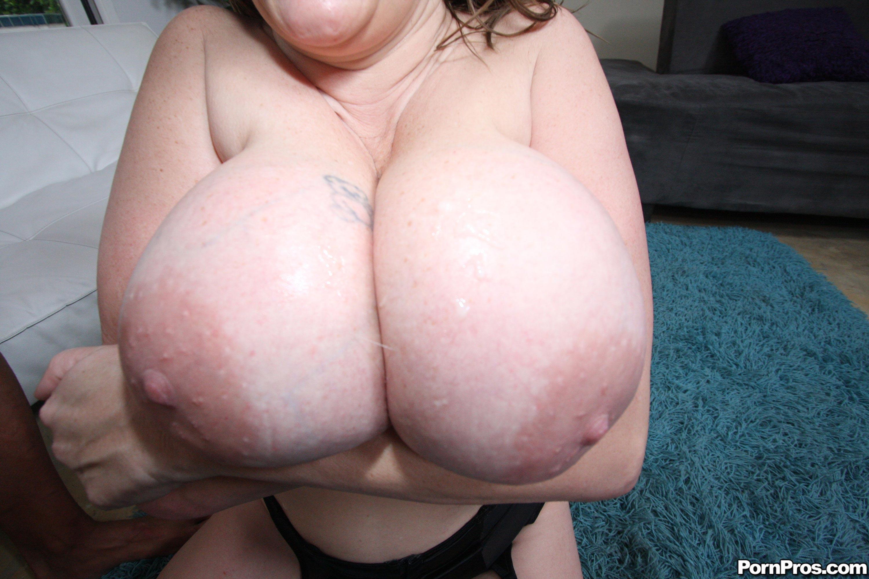 Титьки жирные