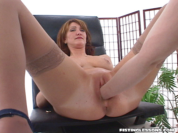 Порно фото руки в пизде